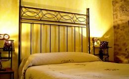 Habitación con cama de matrimonio de 1,90
