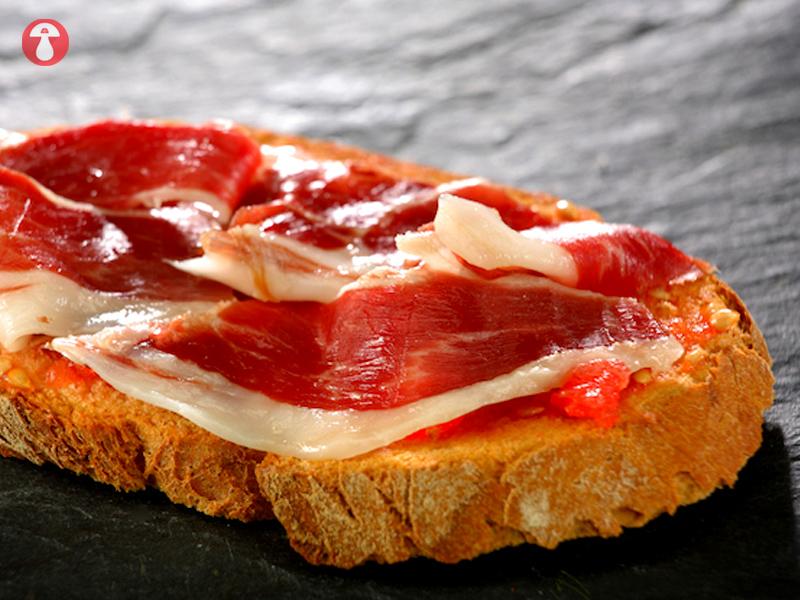 casa-chon-pan-con-tomate (3)
